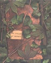 The Valley of Secrets - Hussey, Charmian / Crump, Christopher