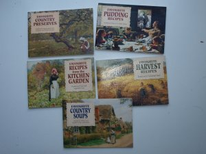 Favourite Country Preserves + Favourite Pudding recipes + Favourite Recipes from the Kitchen Garden + Favourite Harvest Recipes +Favourite Country soups - Carol Wilson Buchpaket