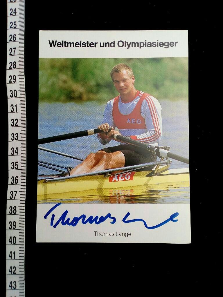 Autogrammkarte handsigniert. original hand signed autograph card with picture. German rower who won two gold and one bronze Olympic medals in the single sculls.[1] Lange, along with Mahé Drysdale, Pertti Karppinen, Peter-Michael Kolbe and Vyacheslav Ivano - Lange, Thomas, OLYMPIA OLYMPIC GAMES 1992 BARCELONA und . OLYMPISCHE SPIELE 1988 SEOUL